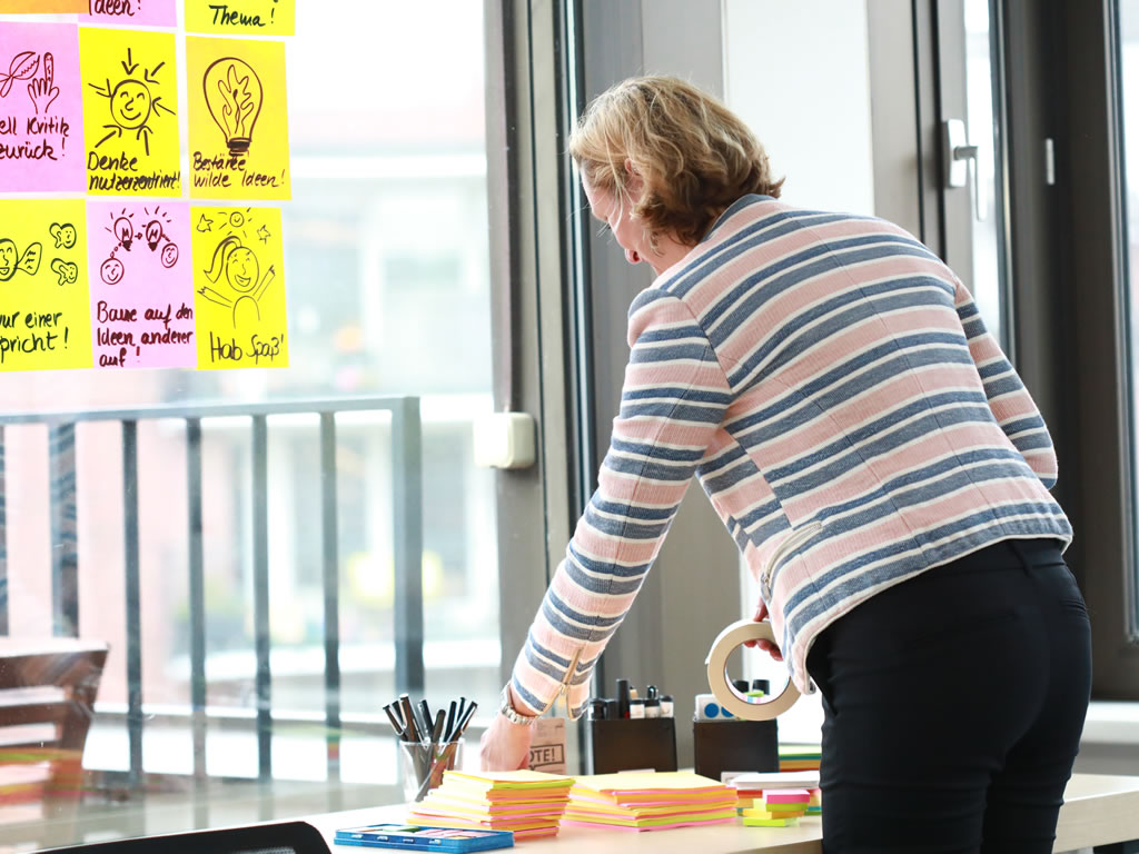 Agile Moderation und agiles Change Management arbeiten mit Kreativitätstechniken