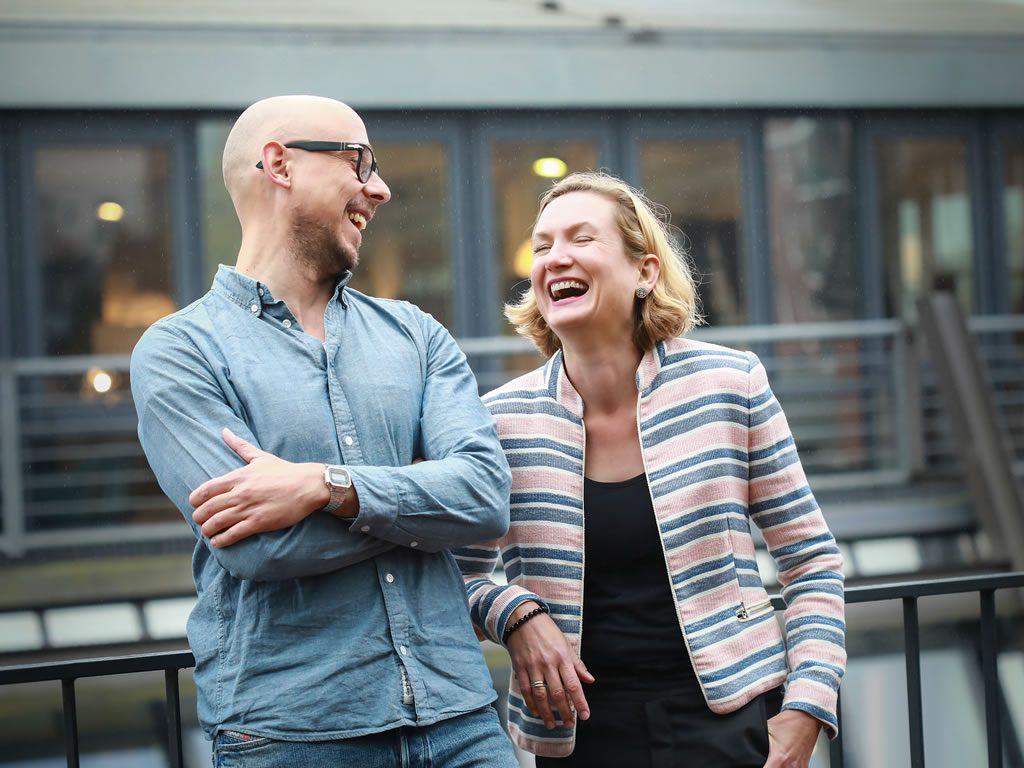 Oliver Rességuier und Gesine Engelage-Meyer freuen sich auf Kontaktaufnahme